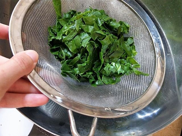 Draining Kale - How to Freeze Kale